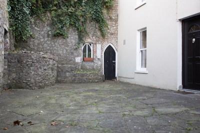 aej-kilkenny-walking-tour-43-expensive-kilkenny-house