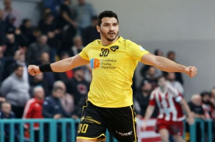 osfp-olympiacos-aek-telikos-final-handball-cup-argirou-argyrou-celebration-panigiriki
