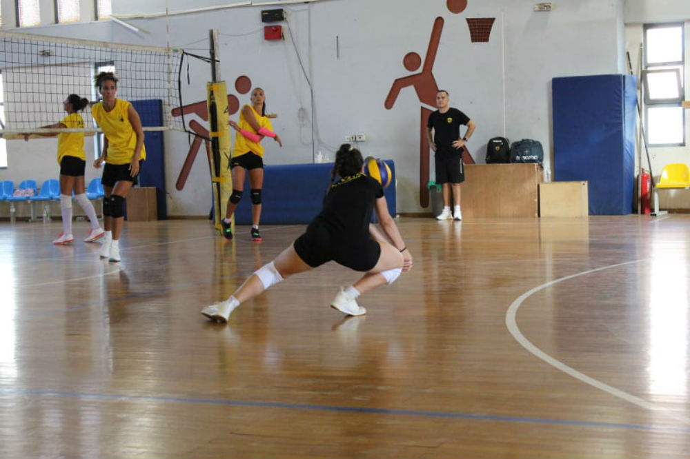 aek-women-volley-.jpg?resize=1000%2C666&