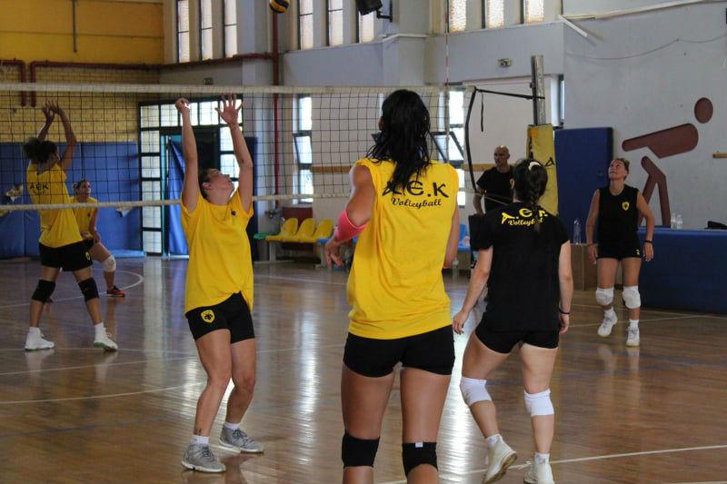 aek-women-volley-play-proponisi1.jpg?res