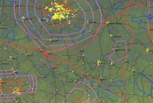 Flugweg von 1X rot und umhüllendes Dreieck grau blau