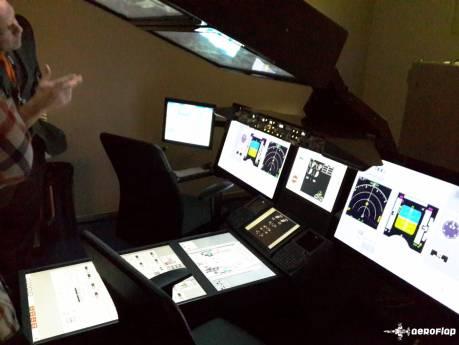 Esse é um simulador que ajuda na ambientação com os instrumentos.