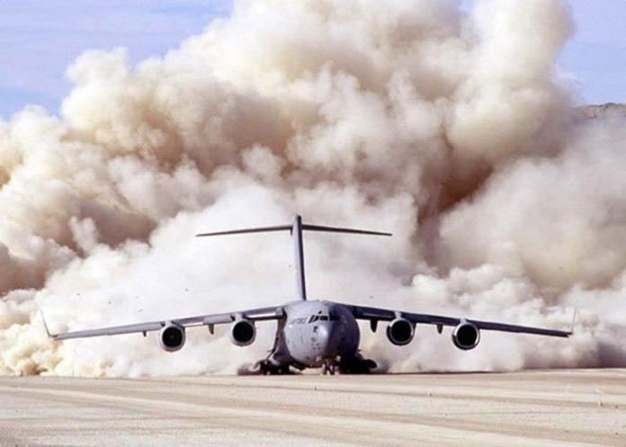 Diedro negativo de um Boeing C-17.