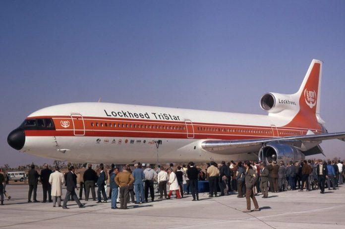 Primeiro voo do Tristar.