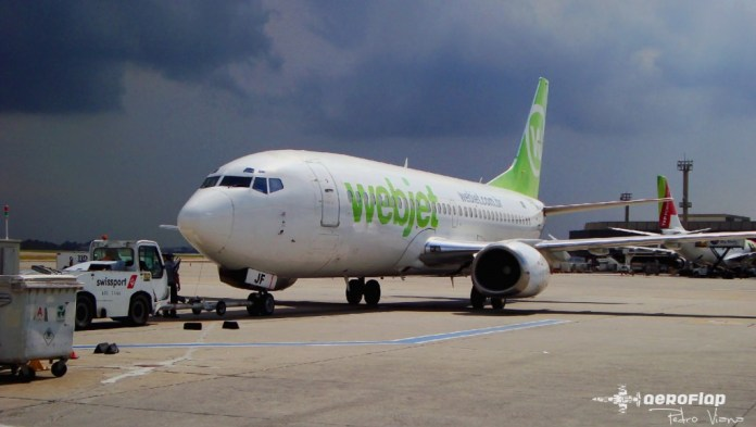 Registro do 737 da Webjet no Aeroporto de Guarulhos em 2010, na data ele tinha 20 anos de operação.