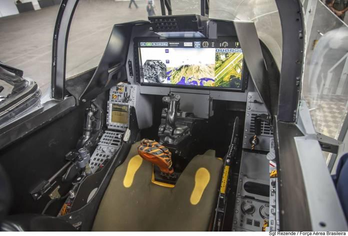 Gripen-NG-Mockup-cockpit