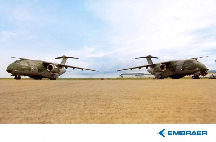 Segundo KC390 à direita da foto. Foto - Embraer