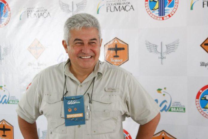 Astronauta Marcos Pontes. Foto - Esquadrilha da Fumaça/Divulgação