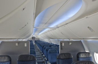Interior do 737 MAX 8 da American Airlines (Foto: Boeing)