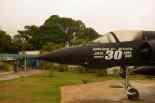 Detahe da escrita comemorativa do Mirage III exposto em frente ao HFAB-Foto André Magalhães