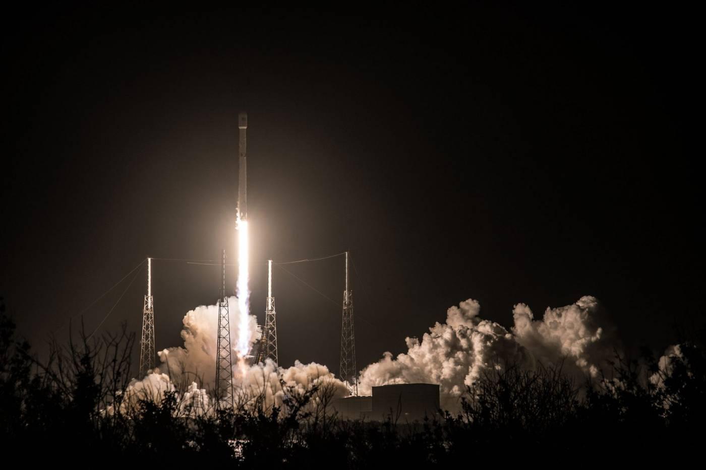 Após adiamento, satélite da Hispasat deve entrar em órbita nesta madrugada