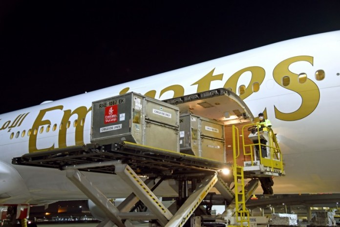 Emirates SkyCargo Dubai vacinas Aeroportos
