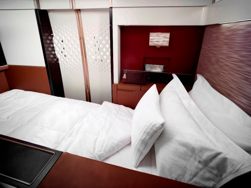 B787 FIRST SUITE 2