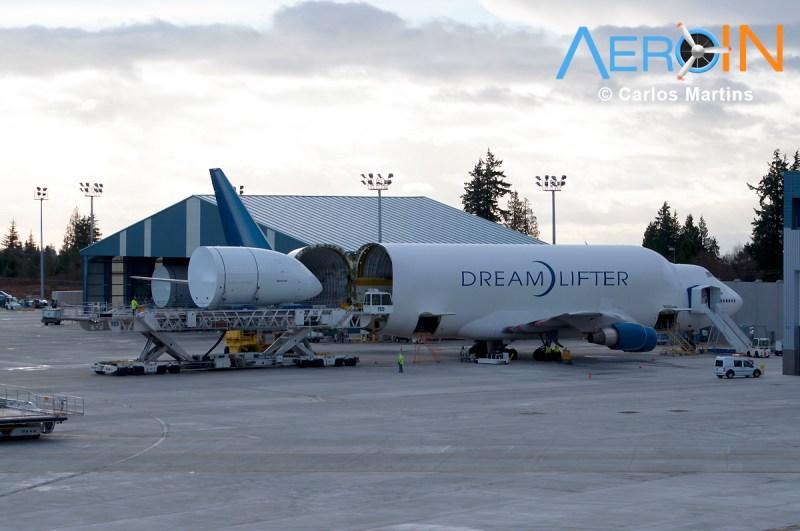 Boeing 747 Dreamlifter 787