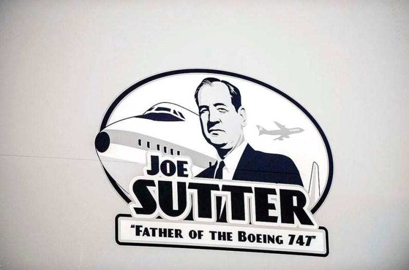 Homenagem que a empresa Cargolux fez á Joe meses atrás: um adesivo em um 747-8F