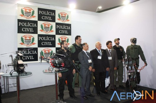 Forças policiais estiveram presentes apresentando suas tecnologias.