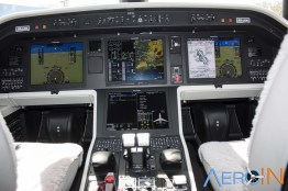 Cockpit do Legacy 450 Fly-by-wire.