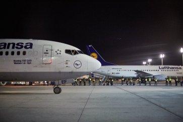 Spotters registram a chegada do D-ABEF em evento realizado pelo Aeroporto de Franfkurt.