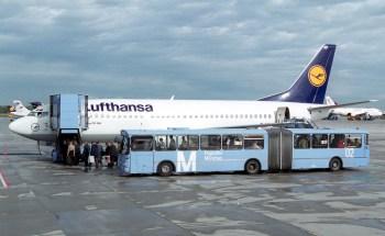 Embarque em um Boeing 737-300 em Franfkurt no ano 2000. Foto: Ingrid Friedl - Lufthansa.