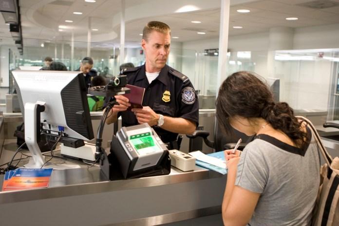 Agente TSA CBP