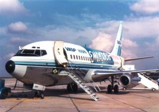 Boeing 737-200 PP-SMF arrendado para o Show Emoções, de Roberto Carlos, CGH maio 1983 (Paulo Laux).
