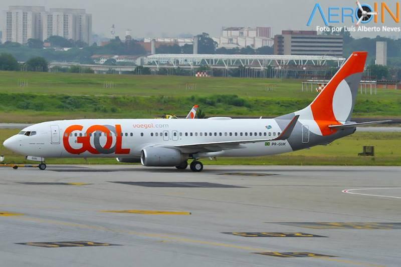 gol-737-800