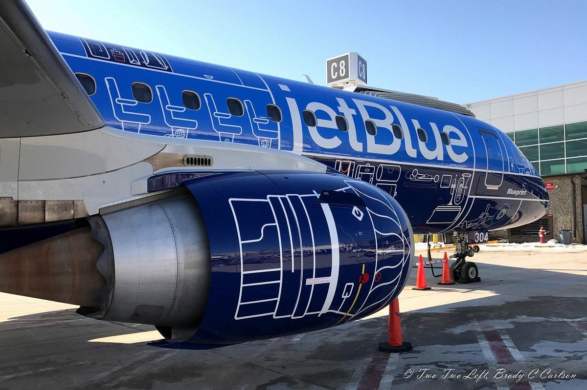 JetBlue comemora 17 anos com pintura especial no Embraer E190.