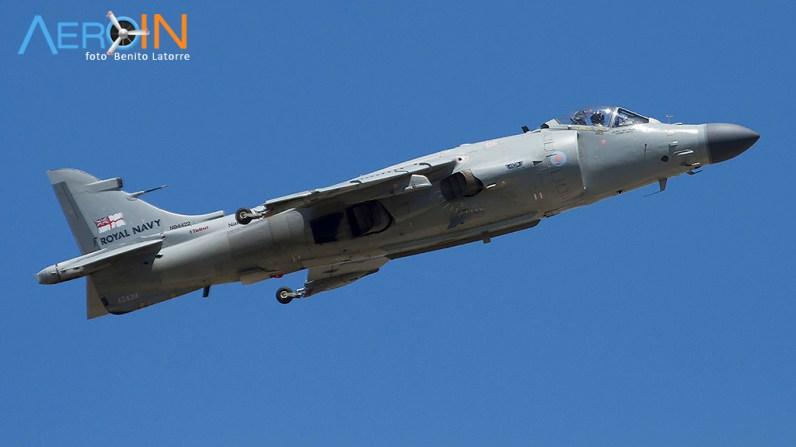 Harrier particular nas cores da Royal Navy (Marinha Britânica)