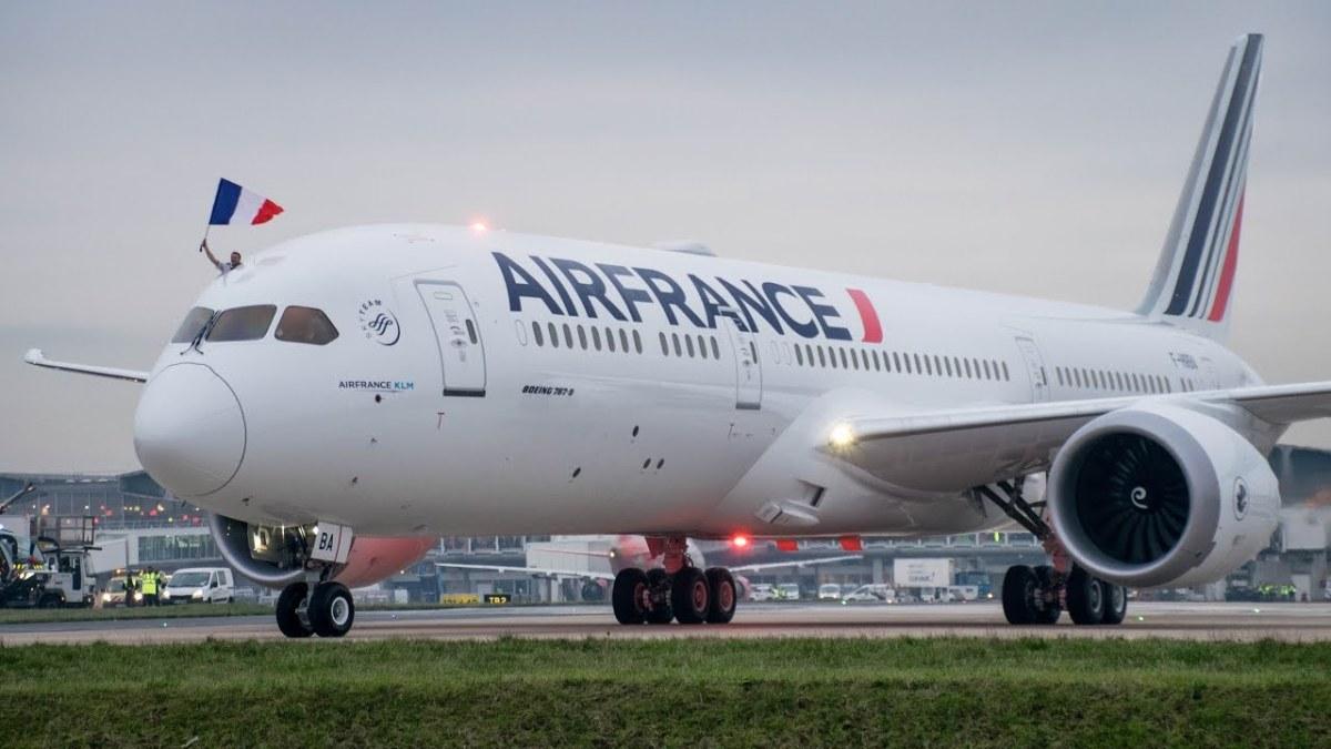 Air France divulga início de operações de seu Dreamliner no Brasil.