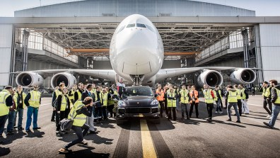 A380 Air France Porsche Cayenne 3