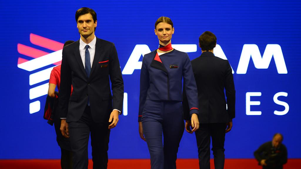 LATAM Brasil abre vagas para novos comissários de voo