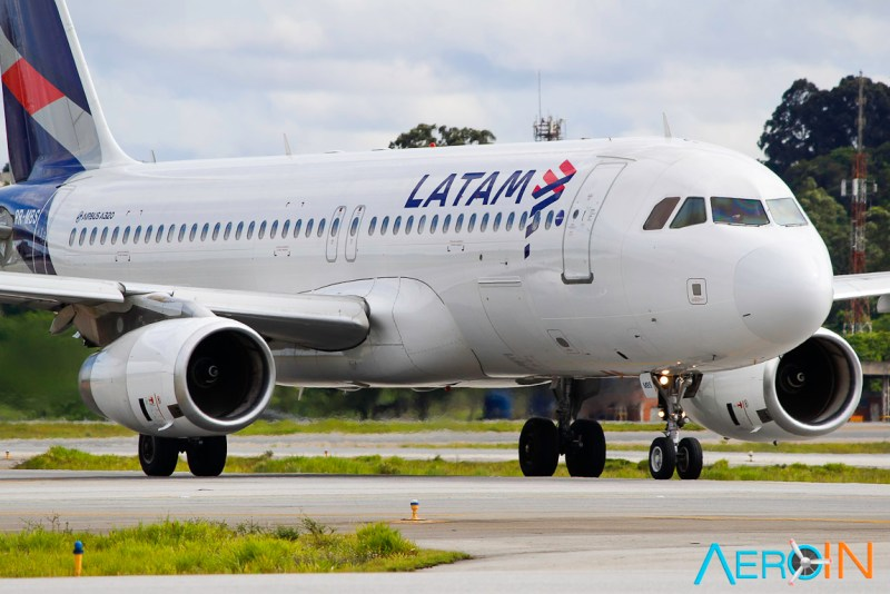 Avião Airbus A320-200 LATAM Airlines