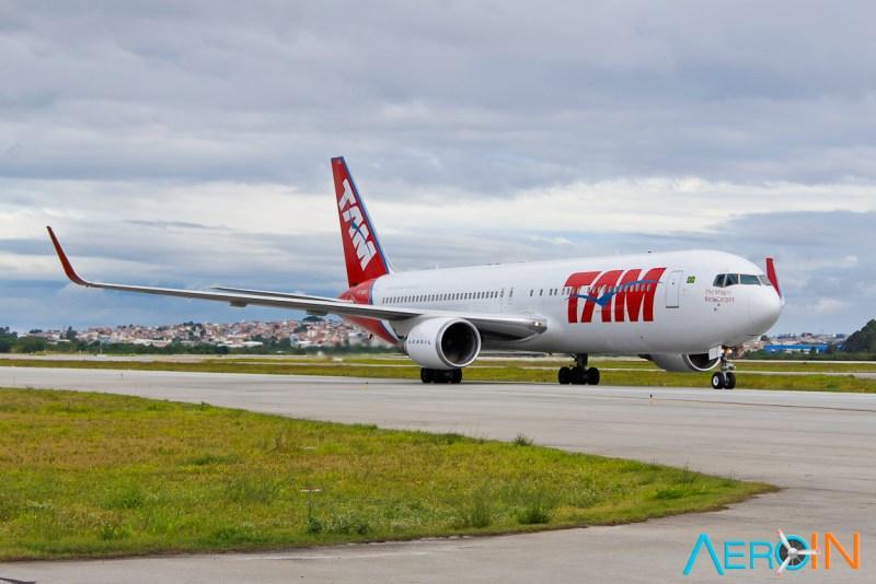Avião Boeing 767-300 TAM