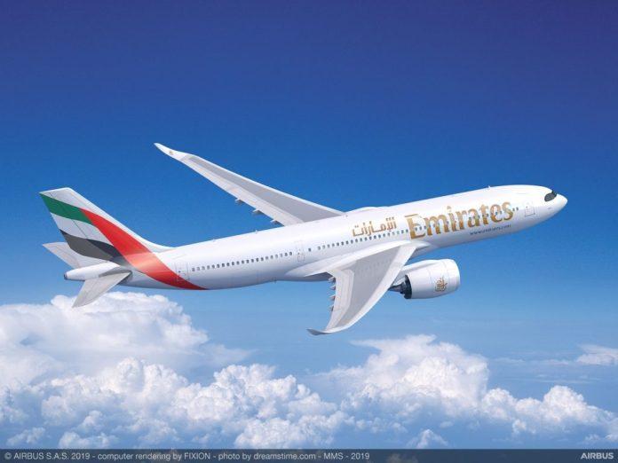 Avião Airbus A330neo A330-900 Emirates