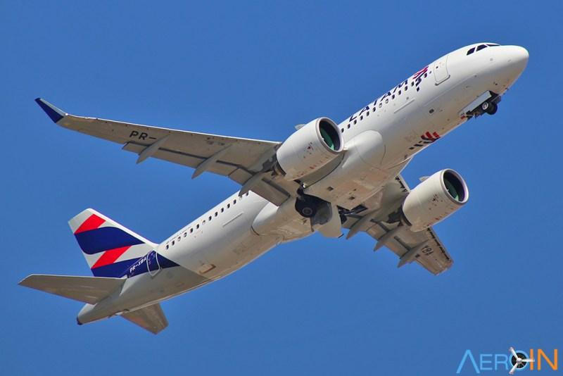 Avião Airbus A320neo LATAM em Congonhas