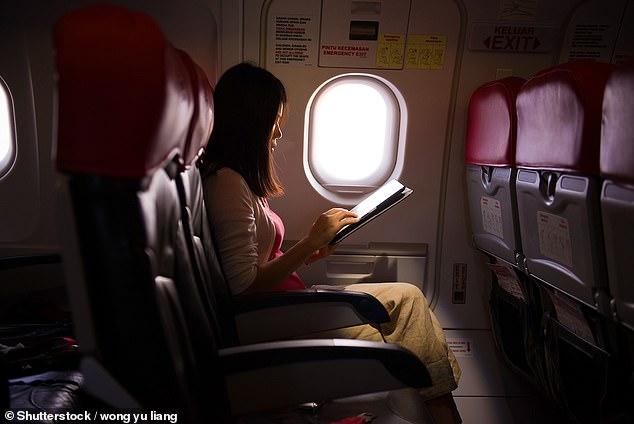 Seção exclusiva para mulheres no voo