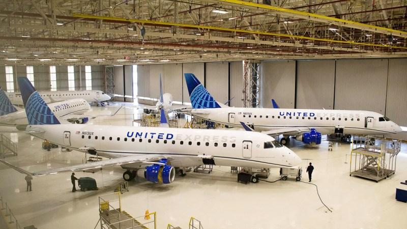 Embraer Commercial Jets E175 United F300