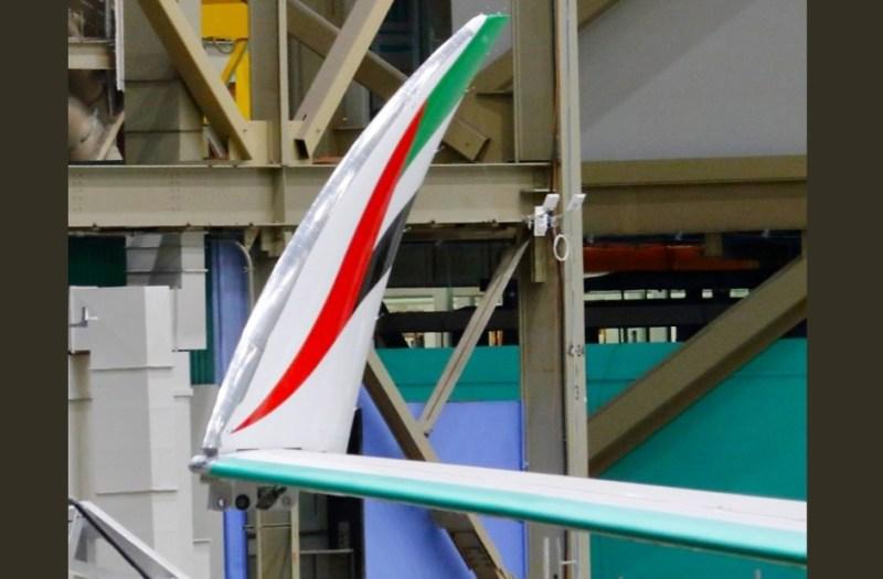 Ponta Asa Dobrável 777X Emirates