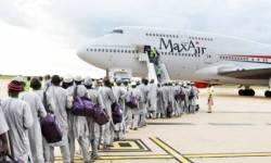 Avião Boeing 747 Max Air peregrinos