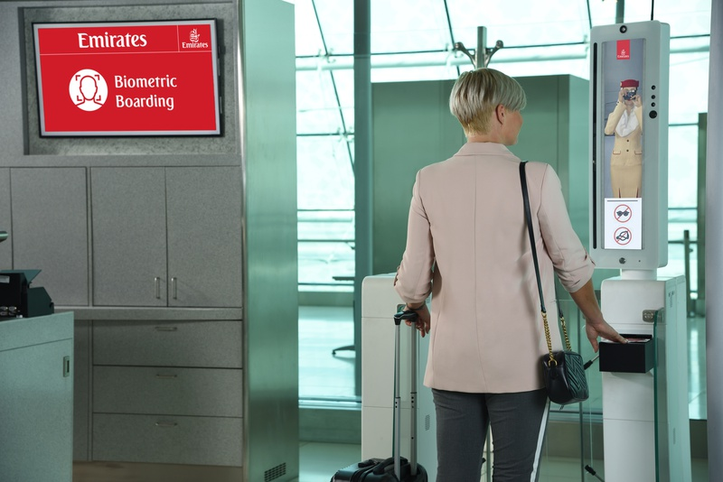 Emirates realiza primeiro teste piloto de embarque biométrico