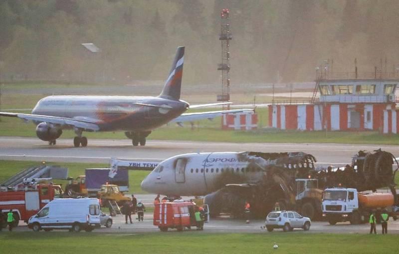 Sukhoi Superjet crash acidente Moscou