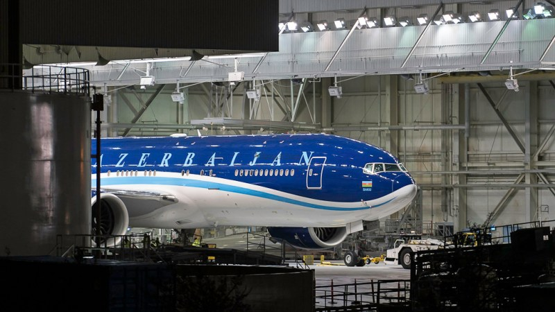 Avião Boeing 777-200LR Governo Azerbaijão Pintura