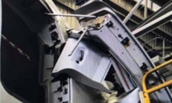 Porta arrancada A380 Qantas Manutenção