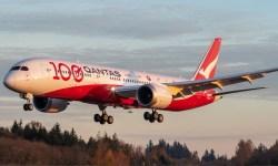Avião Boeing 787 Qantas 100