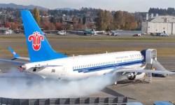 Vídeo 737 MAX fumaça acionamento motor