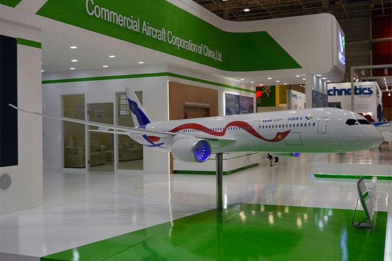 Avião modelo CRAIC CR929 Rússia China