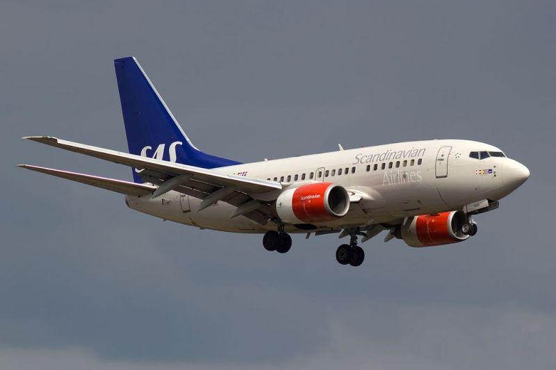 Avião Boeing 737-600 SAS