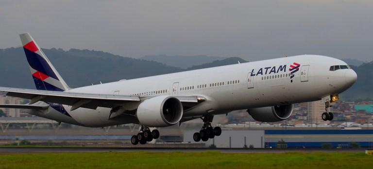 Avião Boeing 777 LATAM
