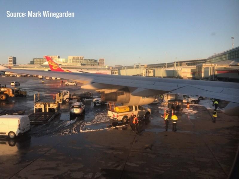 Motor 747 KLM atingiu caminhonete Toronto
