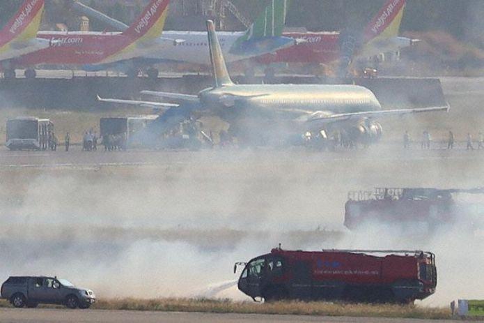 Incidente A321 Vietnam Airlines Estouro Pneu Fogo Grama